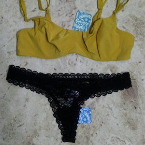 Free People Zoey Bra (34D) & Lace Thong (Black)